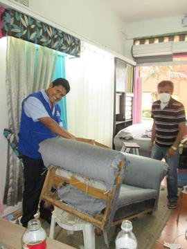 Tapizados de muebles,sillas,capitone para cama,cortinas,roller,estores,persianas,alfombras,mamparas,espejos