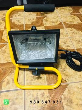 Remato Reflector Halógeno Total Tools Modelo 33021 500watts