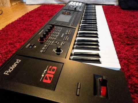 Sintetizador Roland FA 06
