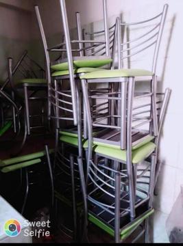 Se Vende Mesas para Jugueria Restaurante
