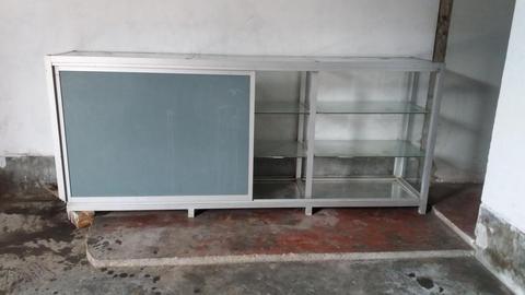 Mostrador de aluminio